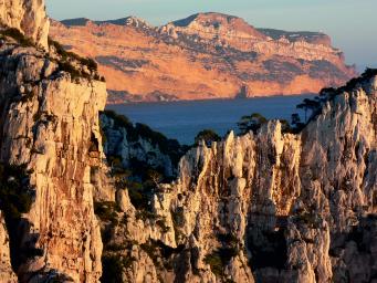 guides escalade randonnée calanques, breche de castelvieil et falaises soubeyranes cap canaille