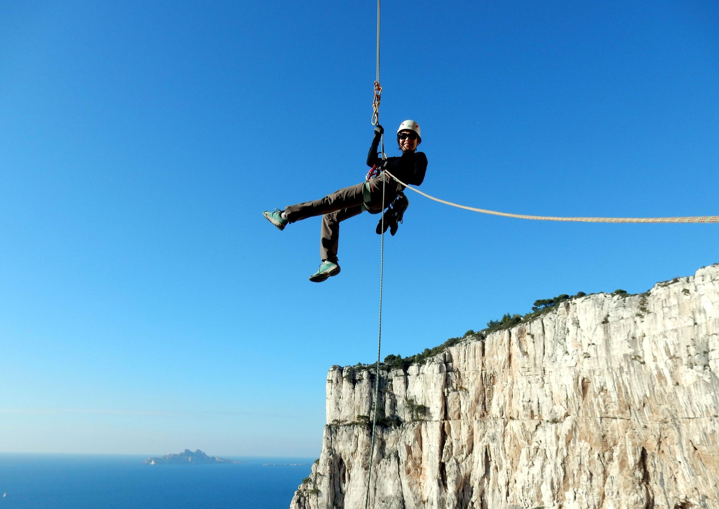 grimpe escalade et randonnée dans les calanques, rappel etat d'urgence devenson